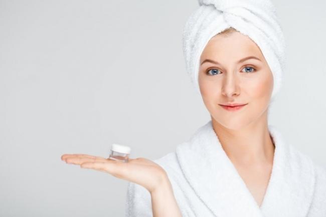 2 fórmulas para hacer tu propio contorno de ojos casero