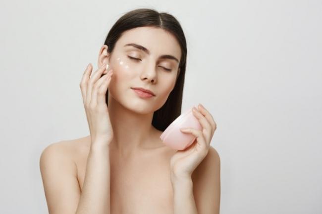 Cómo elegir la crema para el contorno de ojos según tus necesidades
