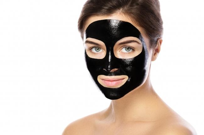Descubre las 5 mejores mascarillas negras del mercado